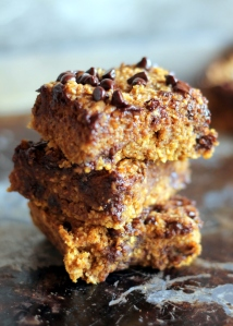 Healthy Pumpkin Chocolate Chip Oat Bars, YUM!